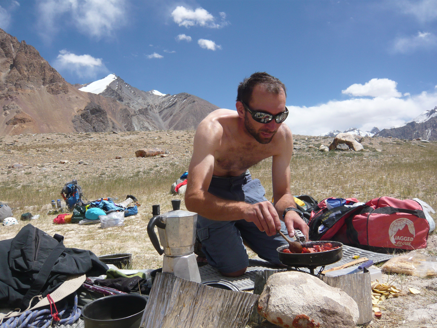 Food and nutrition at altitude